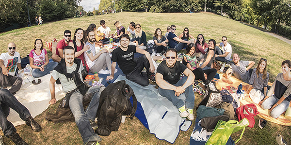 23-06 picnic multilingue