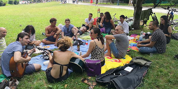 7-7 picnic multilingue