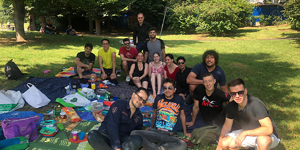 28-7 picnic multilingue